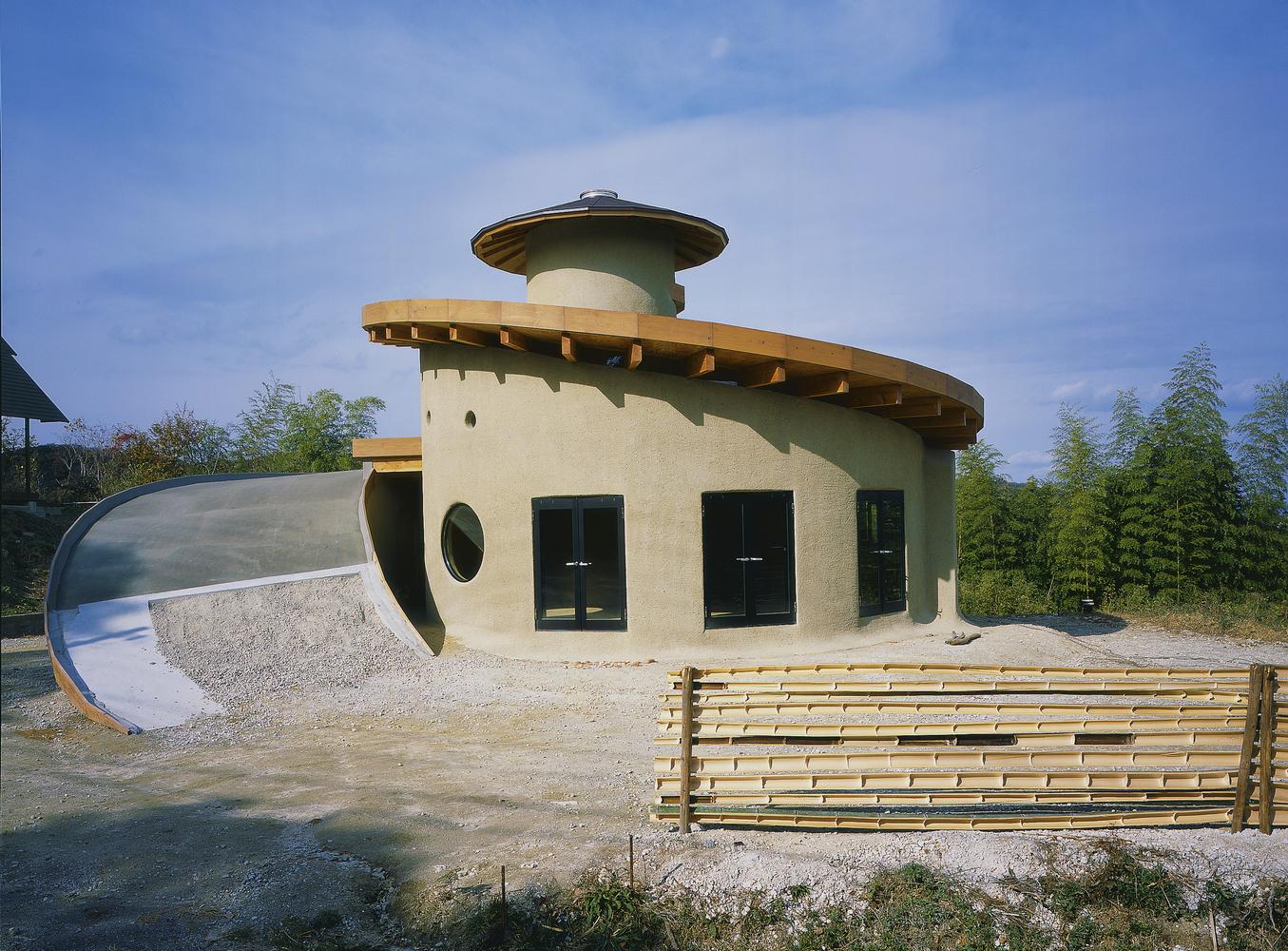 Evin çatısını inşa etmek